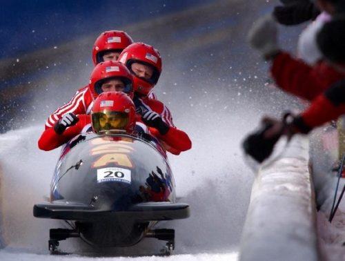 bobsleigh-team-work