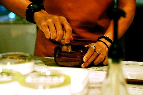 hands mixing